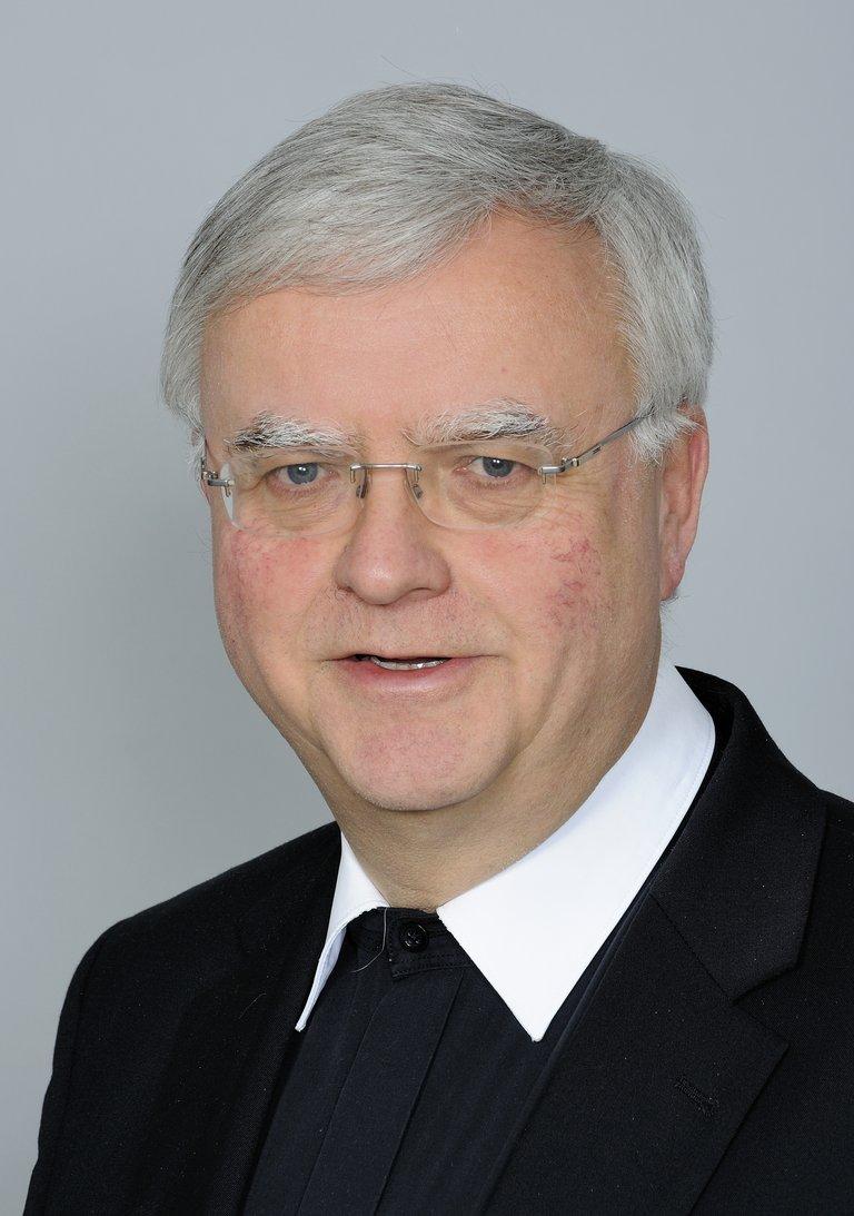 Auf dem Bild ist der Berliner Erzbischof Heiner Koch zu sehen
