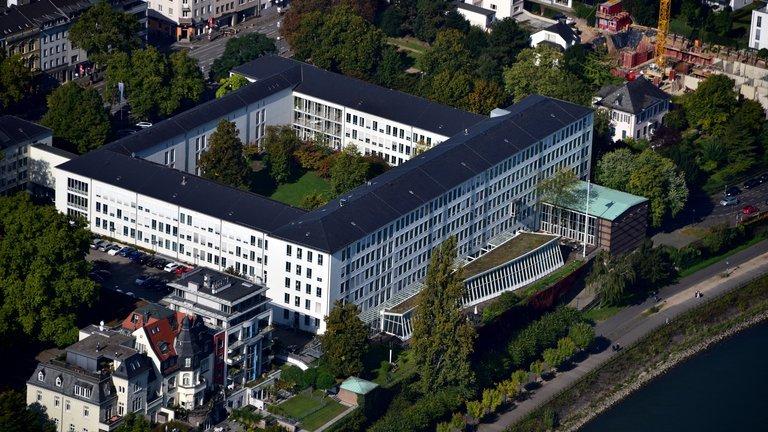 Adenauerallee_83,_Bundesrechnungshof_001.jpg