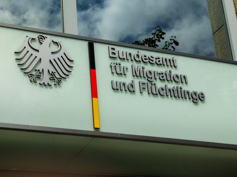 Warum das BAMF kein Geld an eine deutsche Familie zahlt - correctiv.org