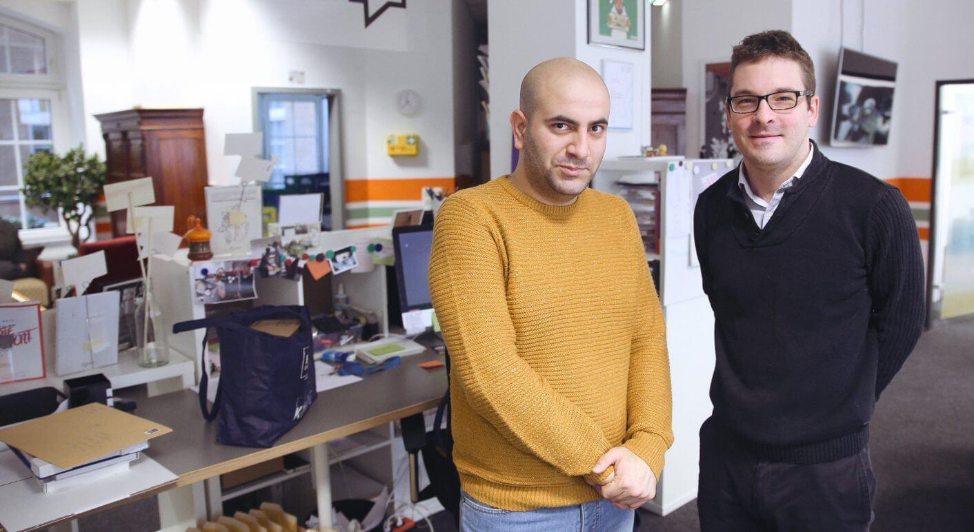 Basel Al Hamdo (links) und CORRECT!V-Redakteur Frederik Richter