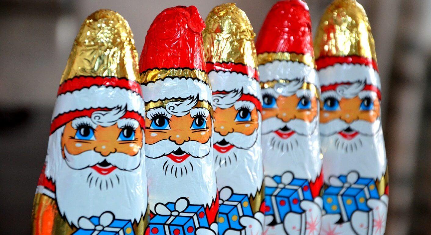 weihnachtsmänner congerdesign pixabay