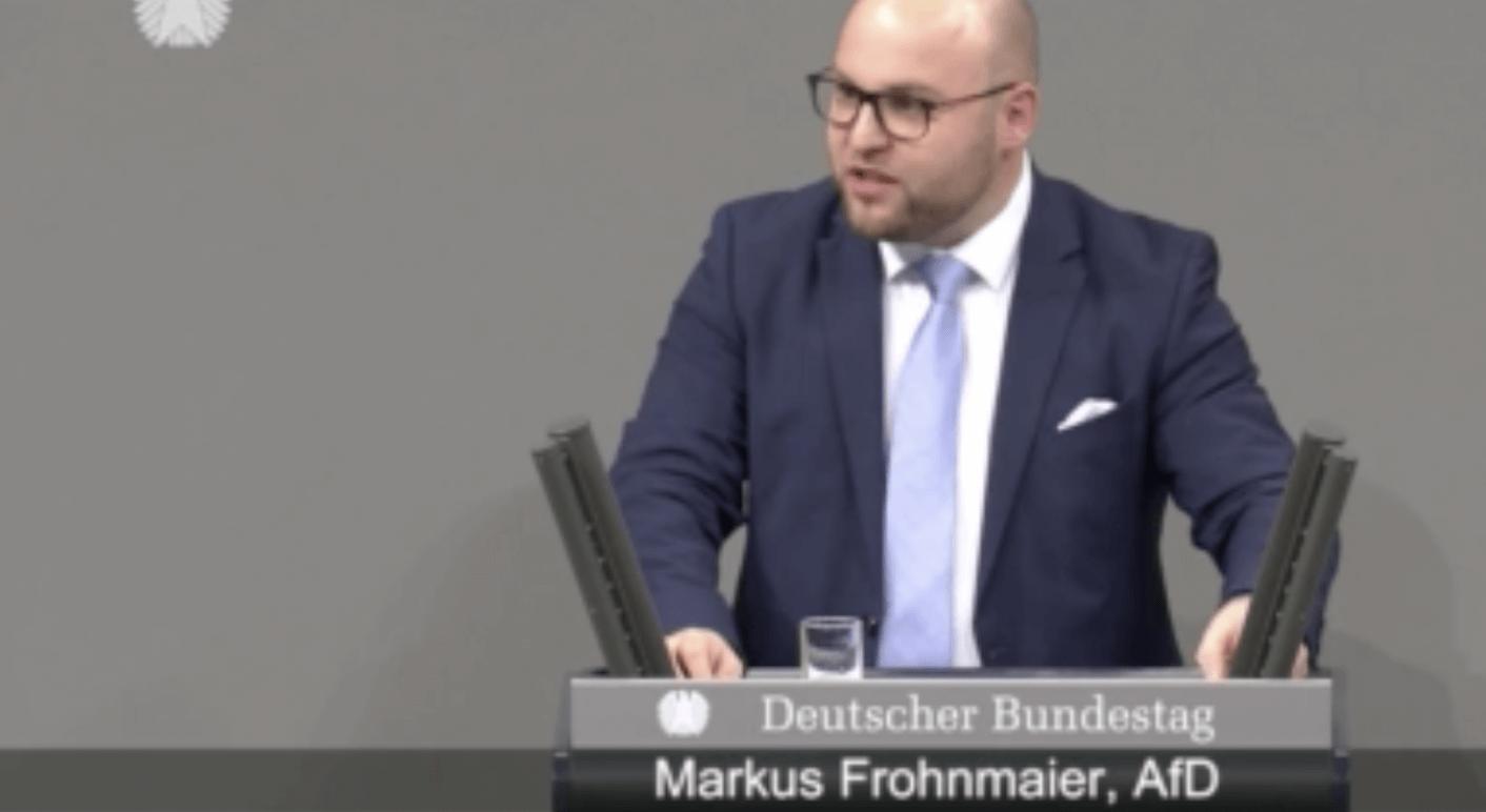 Der AfD-Abgeordnete Markus Frohnmaier bei seiner Rede im Bundestag. Quelle: Bundestag