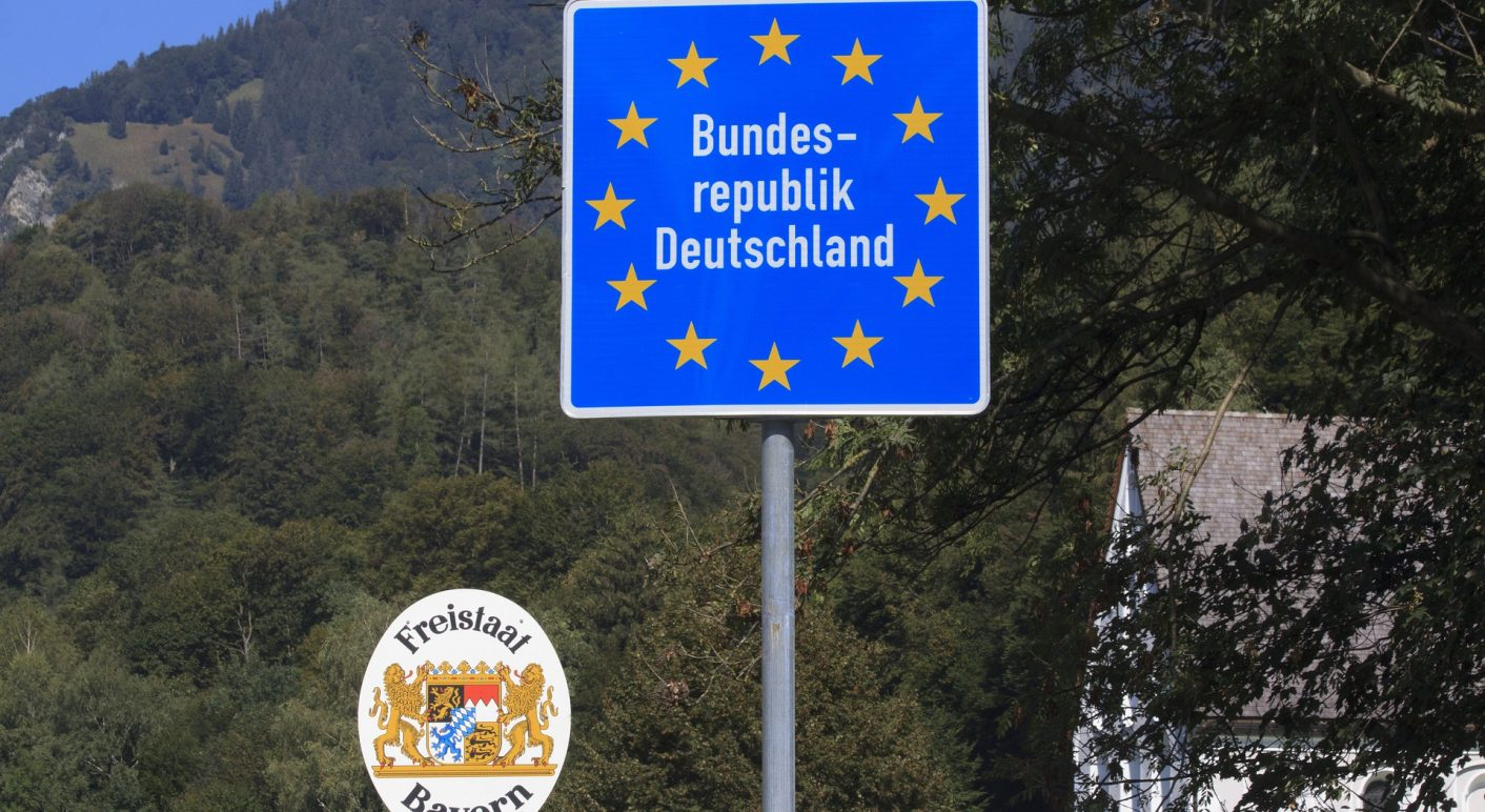 border-3684804_1920