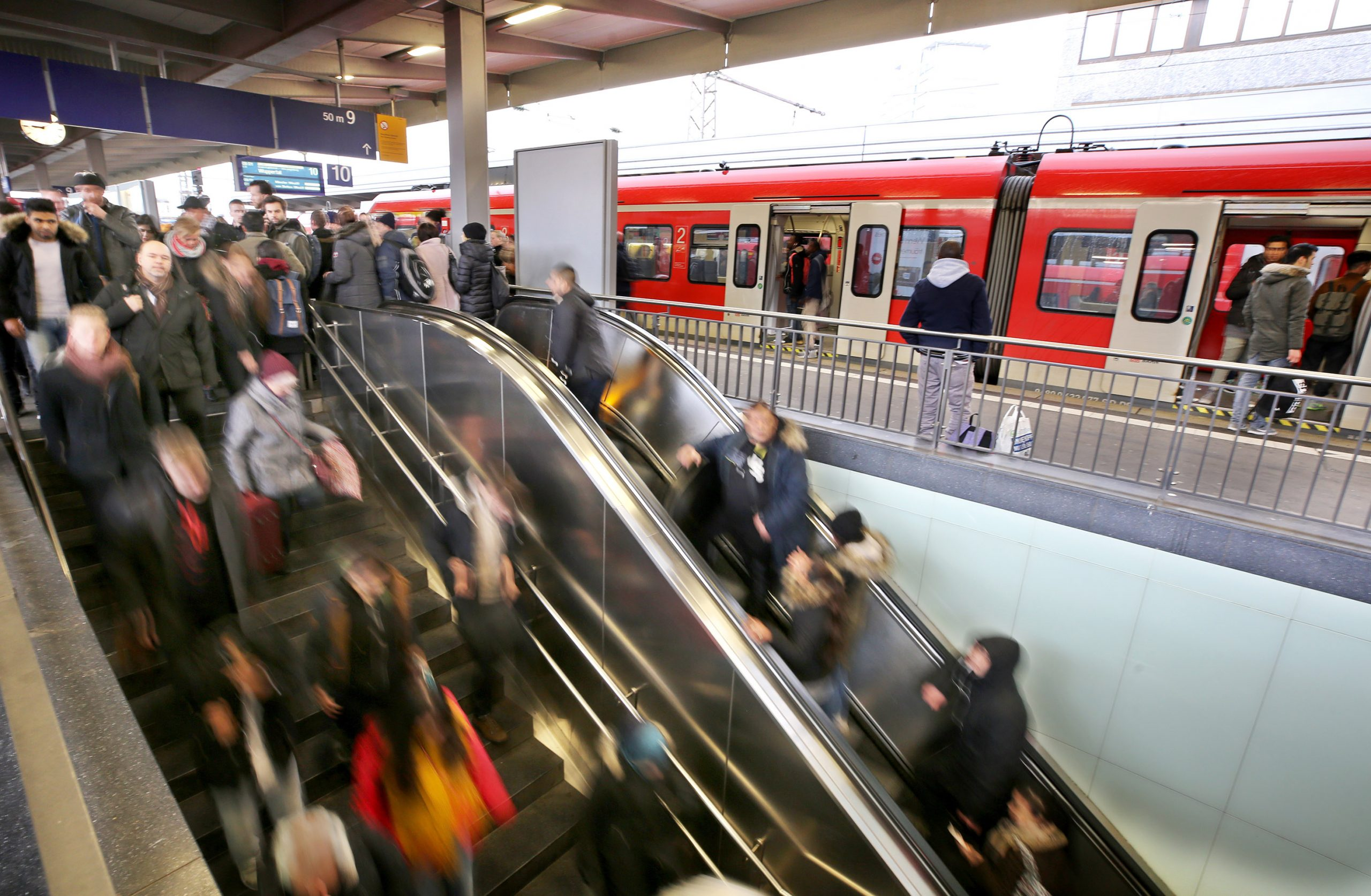 VRR Jahres PK - Hauptbahnhof Essen