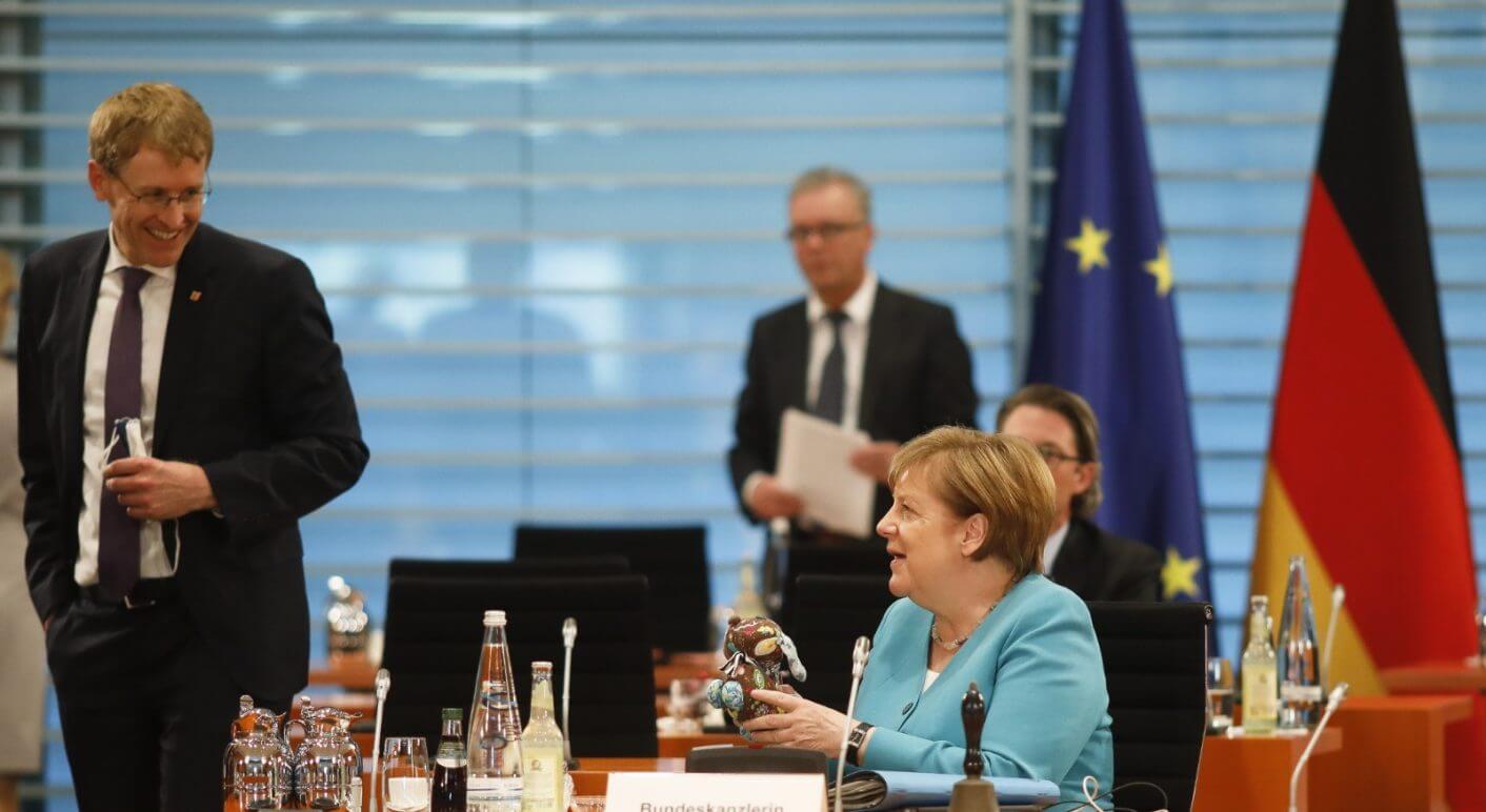 Angela Merkel beim Treffen mit den Ministerpräsidenten