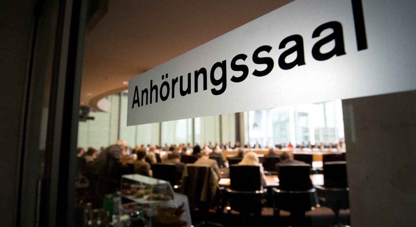 Schmerzmittelmissbrauch im Fußball im Bundestag