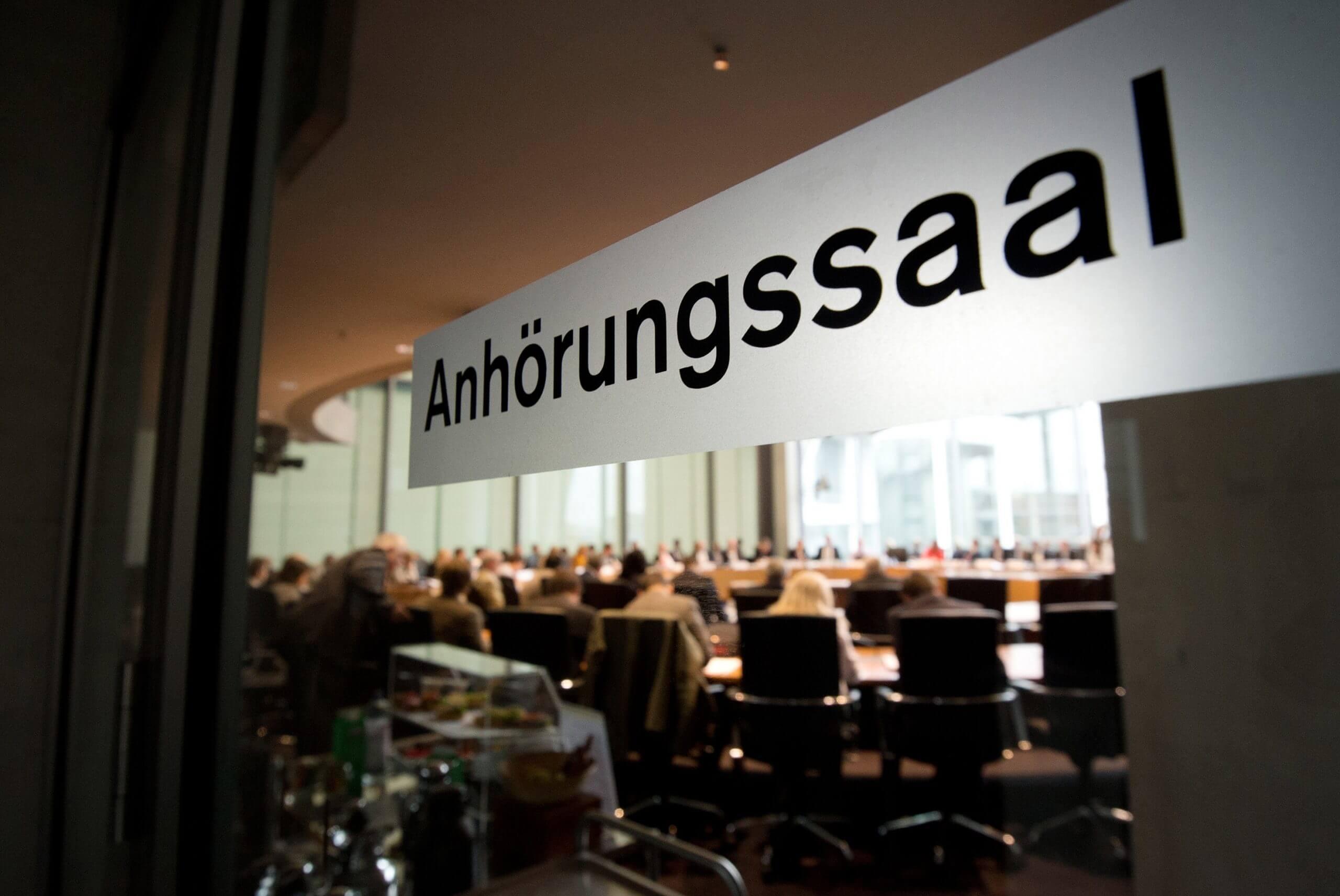 Sitzungssaal im Bundestag © Rainer Jensen/dpa