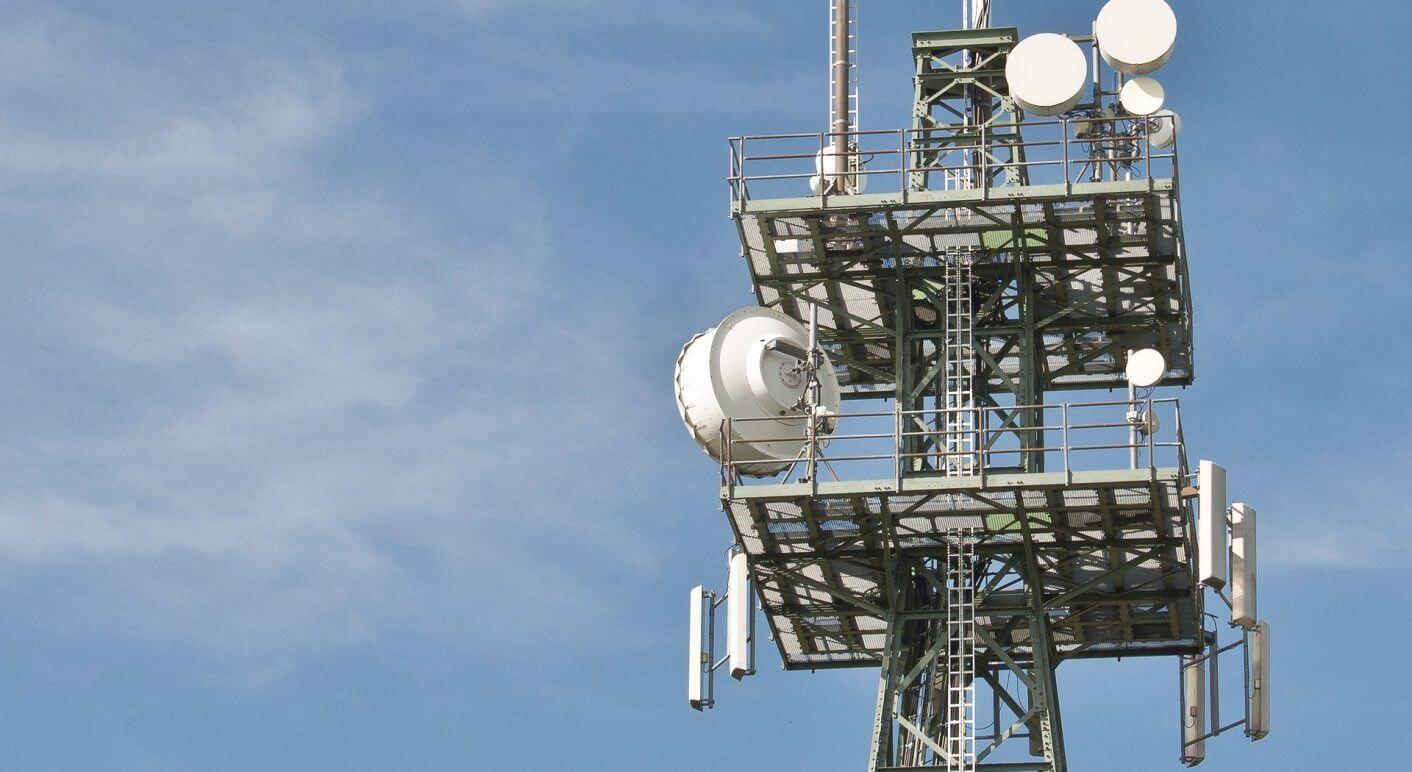 radio-masts-600837_1920
