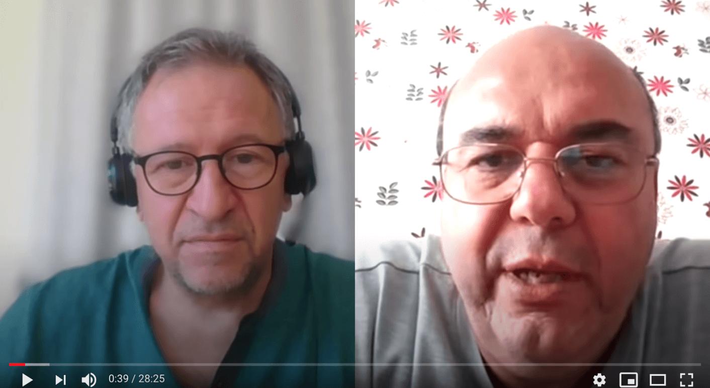 Stoycho Katsarov (links), Vorsitzender des bulgarischen Zentrums für den Schutz der Rechte im Gesundheitswesen, interviewte den bulgarischen Pathologen Stoyan Alexov am 12. Mai 2020.