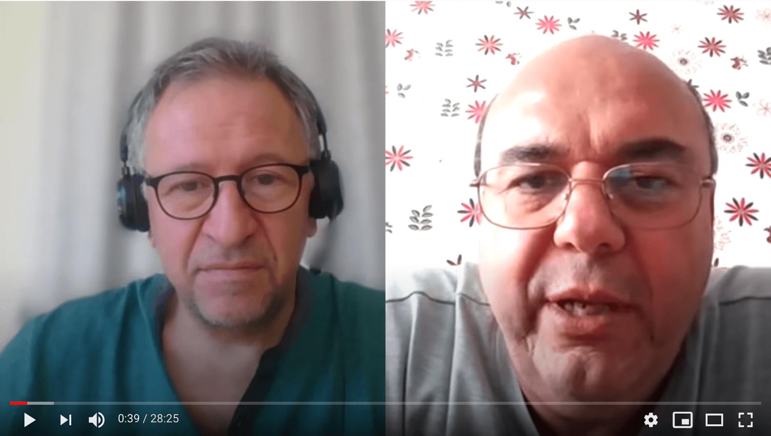 Stoycho Katsarov (links), Vorsitzender des bulgarischen Zentrums für den Schutz der Rechte im Gesundheitswesen, interviewte den bulgarischen Pathologen Stoyan Alexov am 12. Mai 2020. (Quelle: Youtube, Screenshot: CORRECTIV)