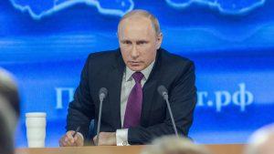 In einem Blog wird behauptet, Wladimir Putin habe die vollständige Unabhängigkeit vom US-Dollar erklärt. Das ist teilweise falsch. Putin hat 2018 lediglich betont, dass Russland unabhängiger von der US-Währung werden sollte.
