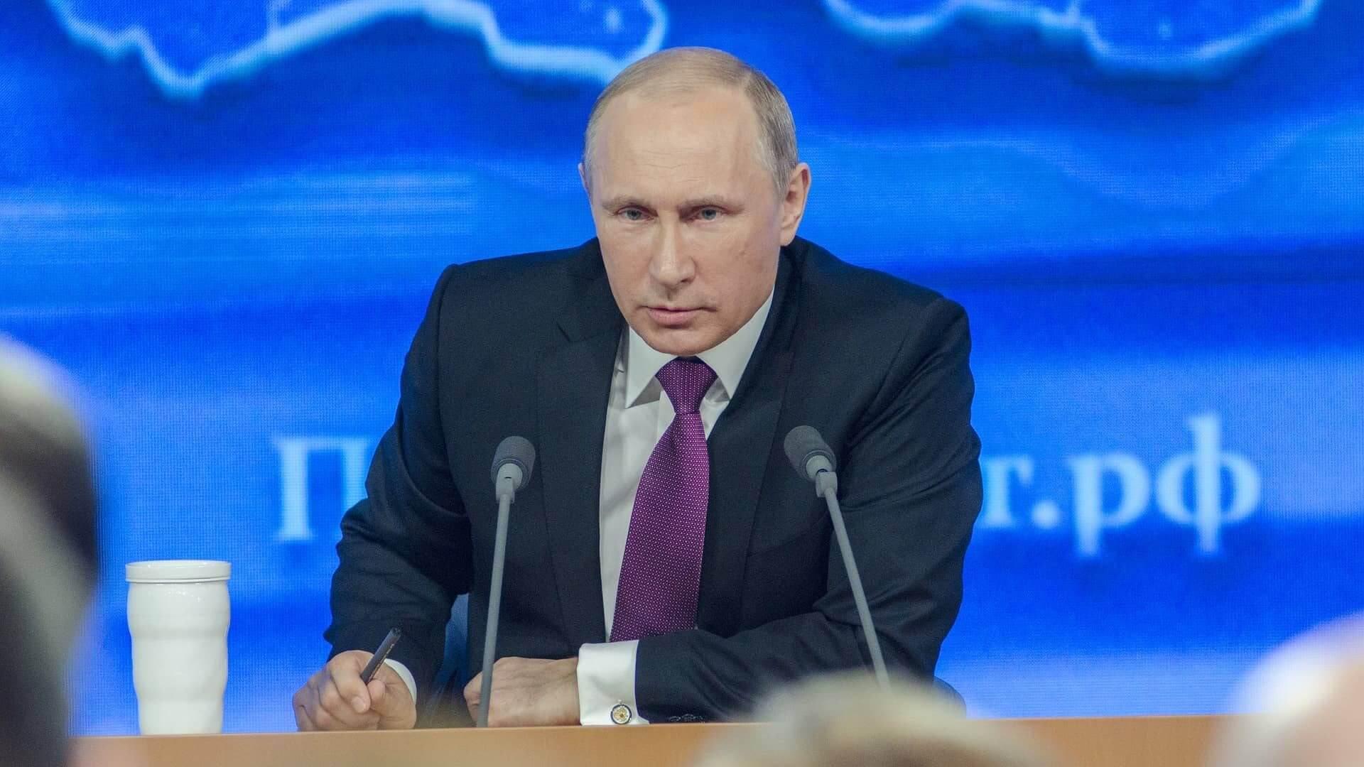 """Nein, Putin hat die Rothschilds nicht aus Russland vertrieben oder die """"vollständige Unabhängigkeit"""" vom US-Dollar erklärt"""