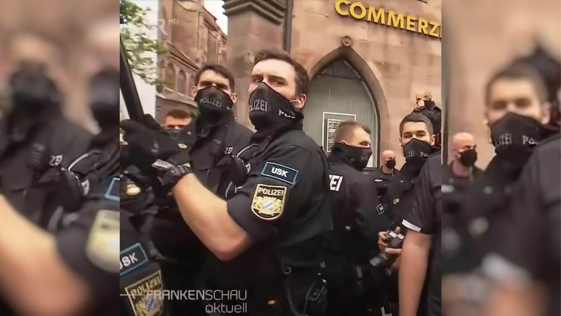 """Nein, die Polizei ist nicht auf """"Netzmasken"""" umgestiegen, weil man damit besser atmen könne"""