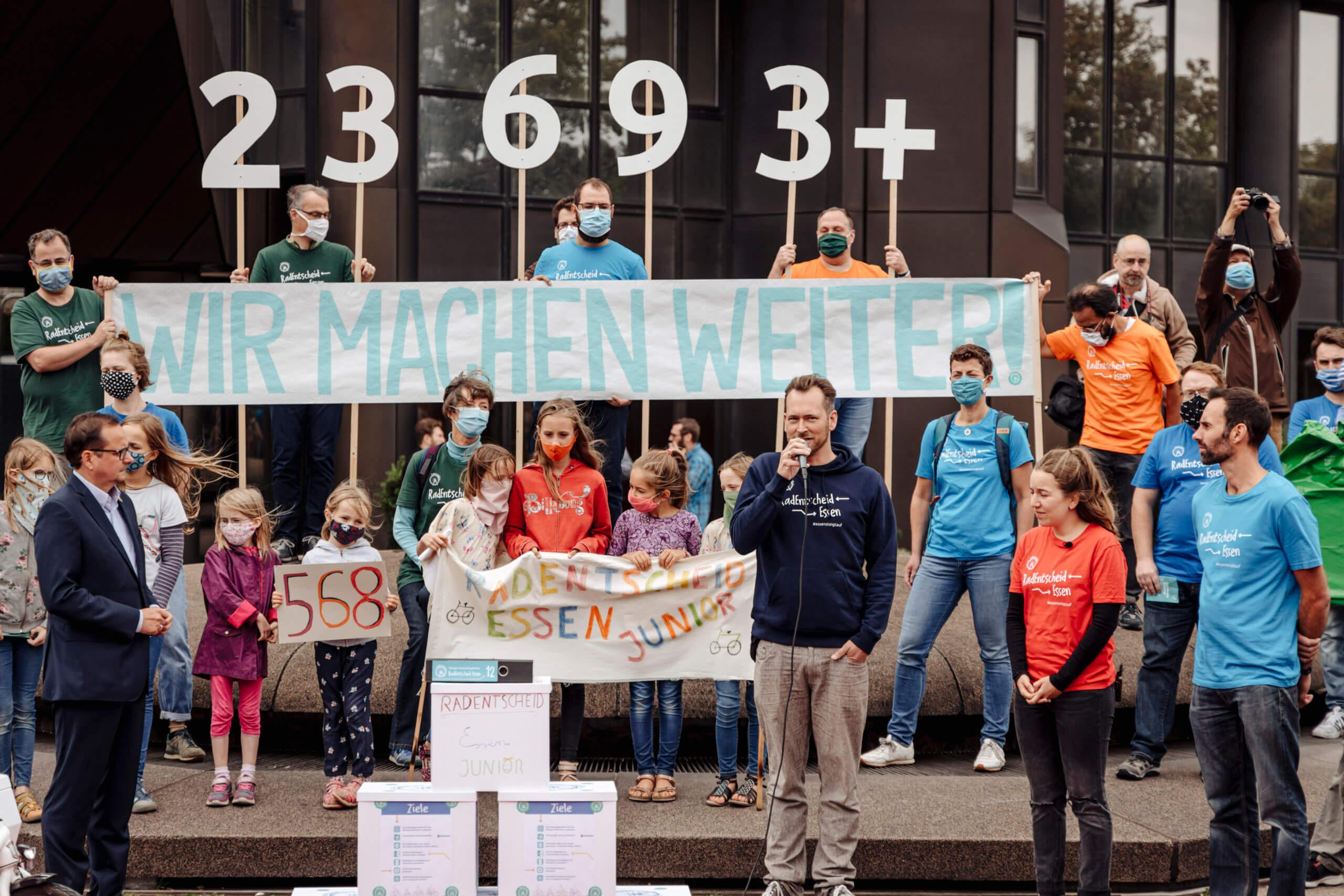 Der Radentscheid Essen sammelte über 23.000 Unterschriften und triumphierte: Der Stadtrat schloss sich im August den Zielen des Bündnisses an. (Bild: Julius Cnoth)