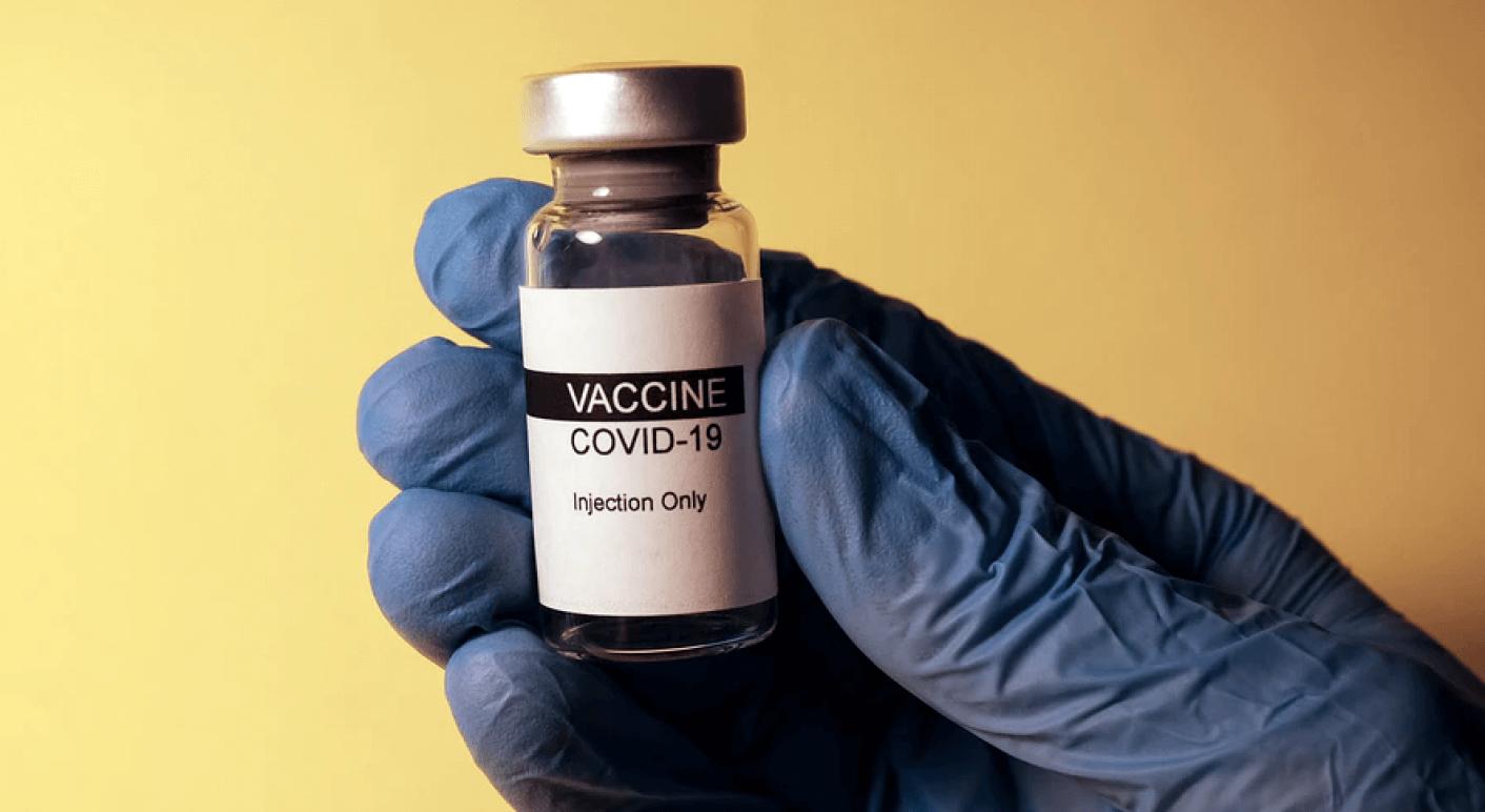 Es gibt keine Belege dafür, dass mRNA- oder andere Covid-19-Impfstoffe in das menschliche Erbgut eingreifen. (Symbolbild: Unsplash / Hakan Nural)