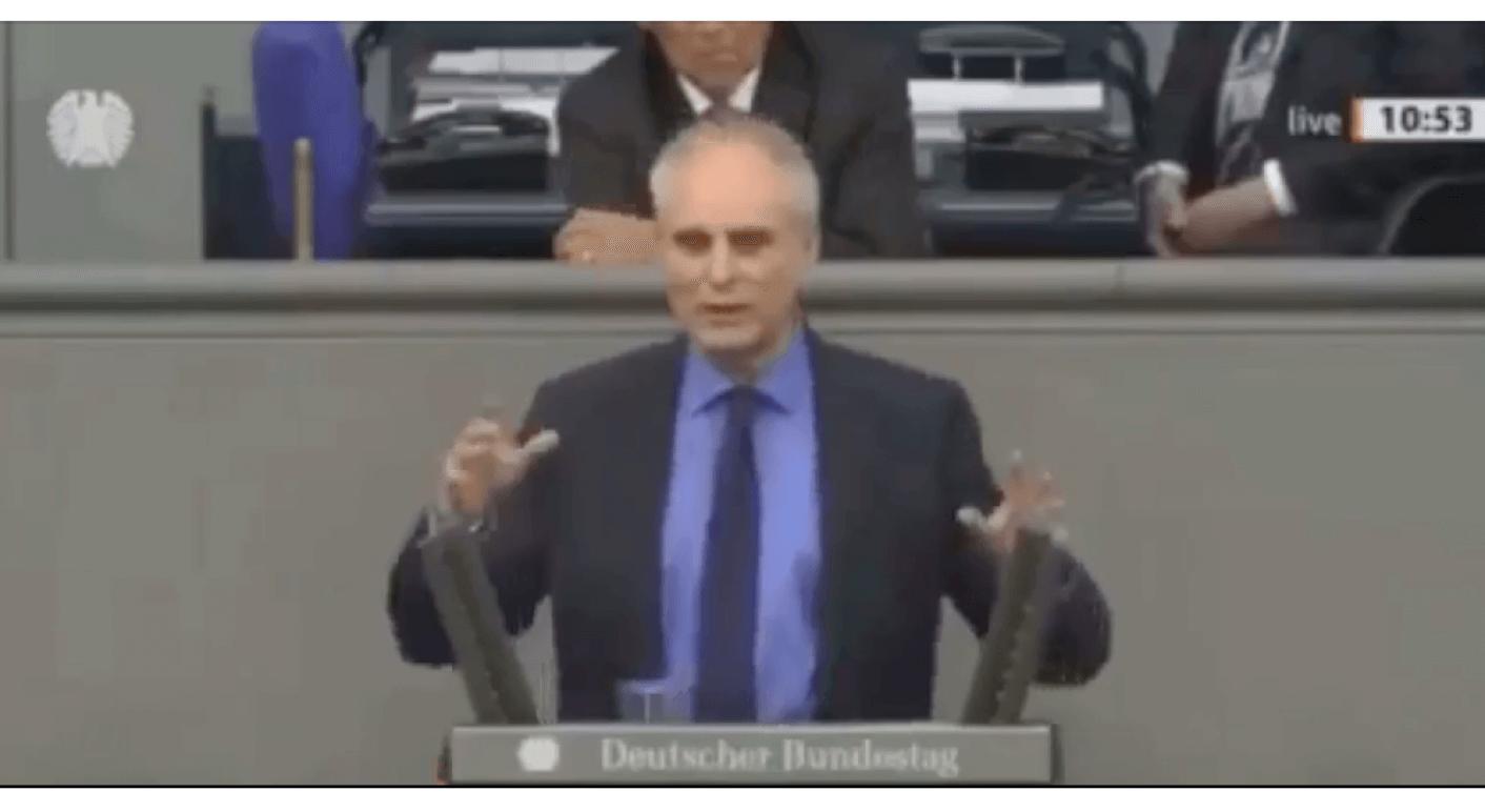 """Das Video einer Bundestagsrede von Thomas Ehrhorn wird in Sozialen Netzwerken mit der Behauptung verbreitet, er sei ein """"Grüner"""". Das ist falsch, er ist Abgeordneter der AfD. (Quelle: Facebook / Screenshot: CORRECTIV.Faktencheck)"""
