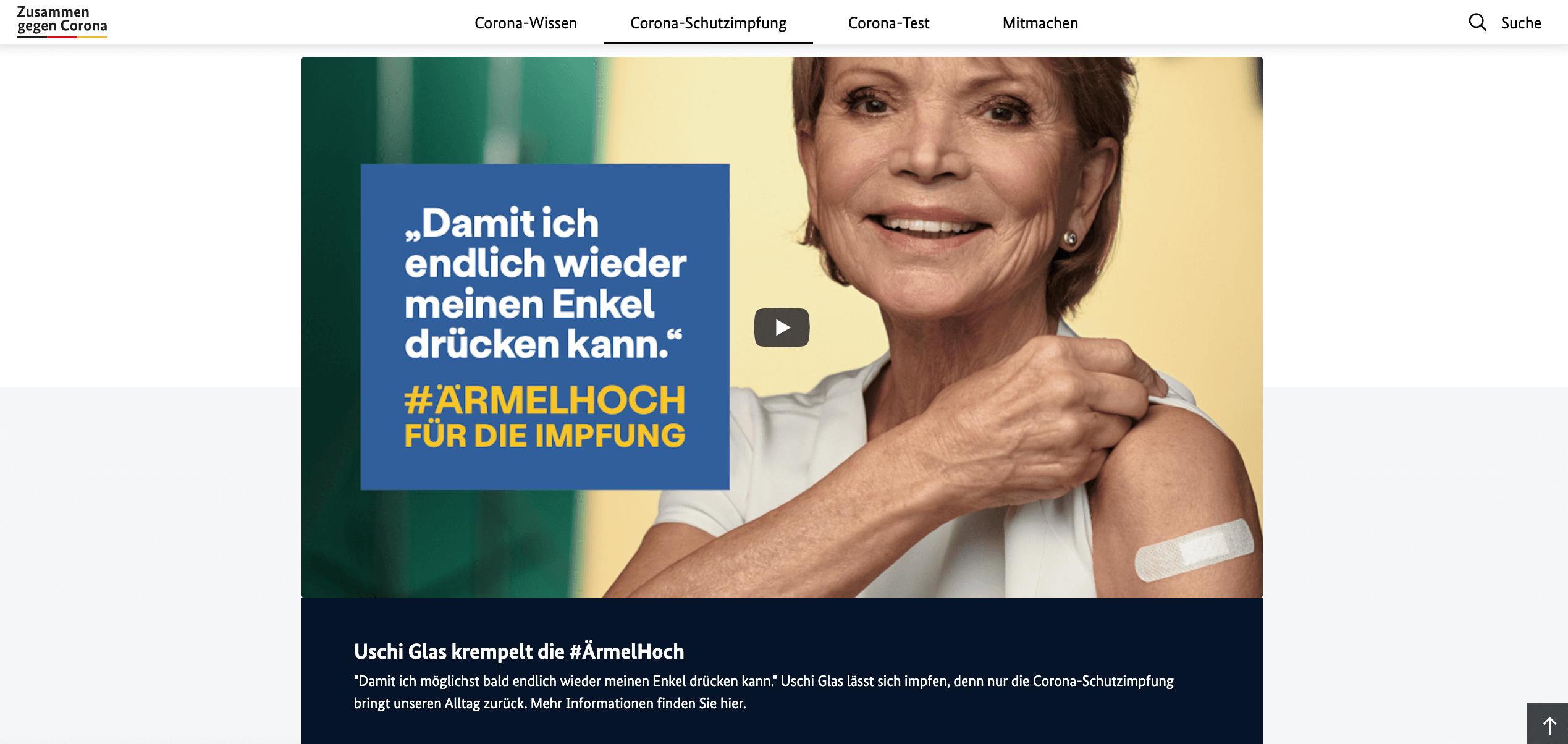Das Startbild des Videos mit Uschi Glas im Rahmen der #ÄrmelHoch-Kampagne mit einem Pflaster auf dem linken Arm (Quelle: Bundesgesundheitsministerium / Screenshot: CORRECTIV.Faktencheck)