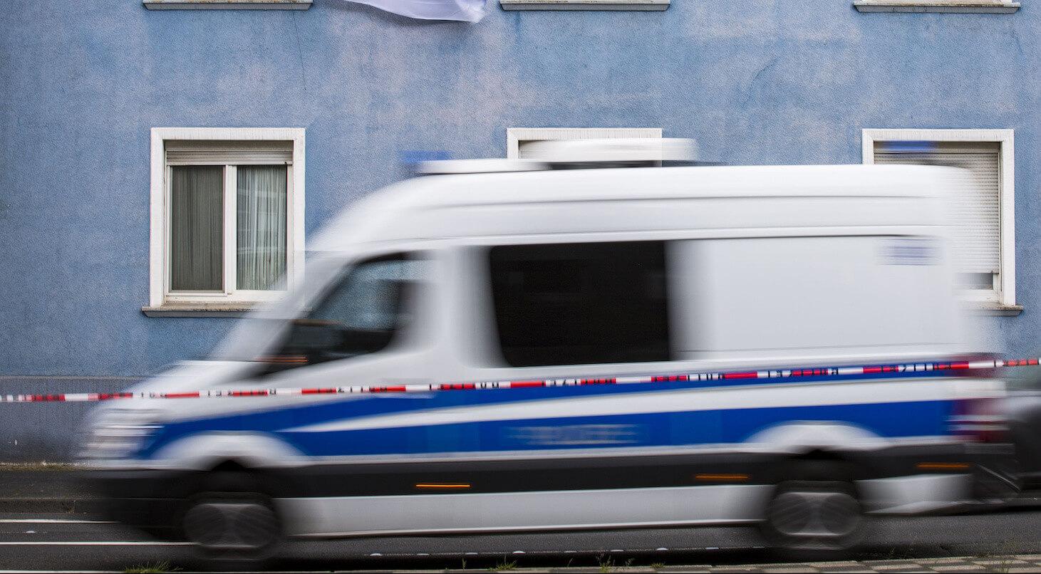 Bochum: Polizei dementiert Facebook-Beiträge über Mann mit weißem Kleinbus vor Schule