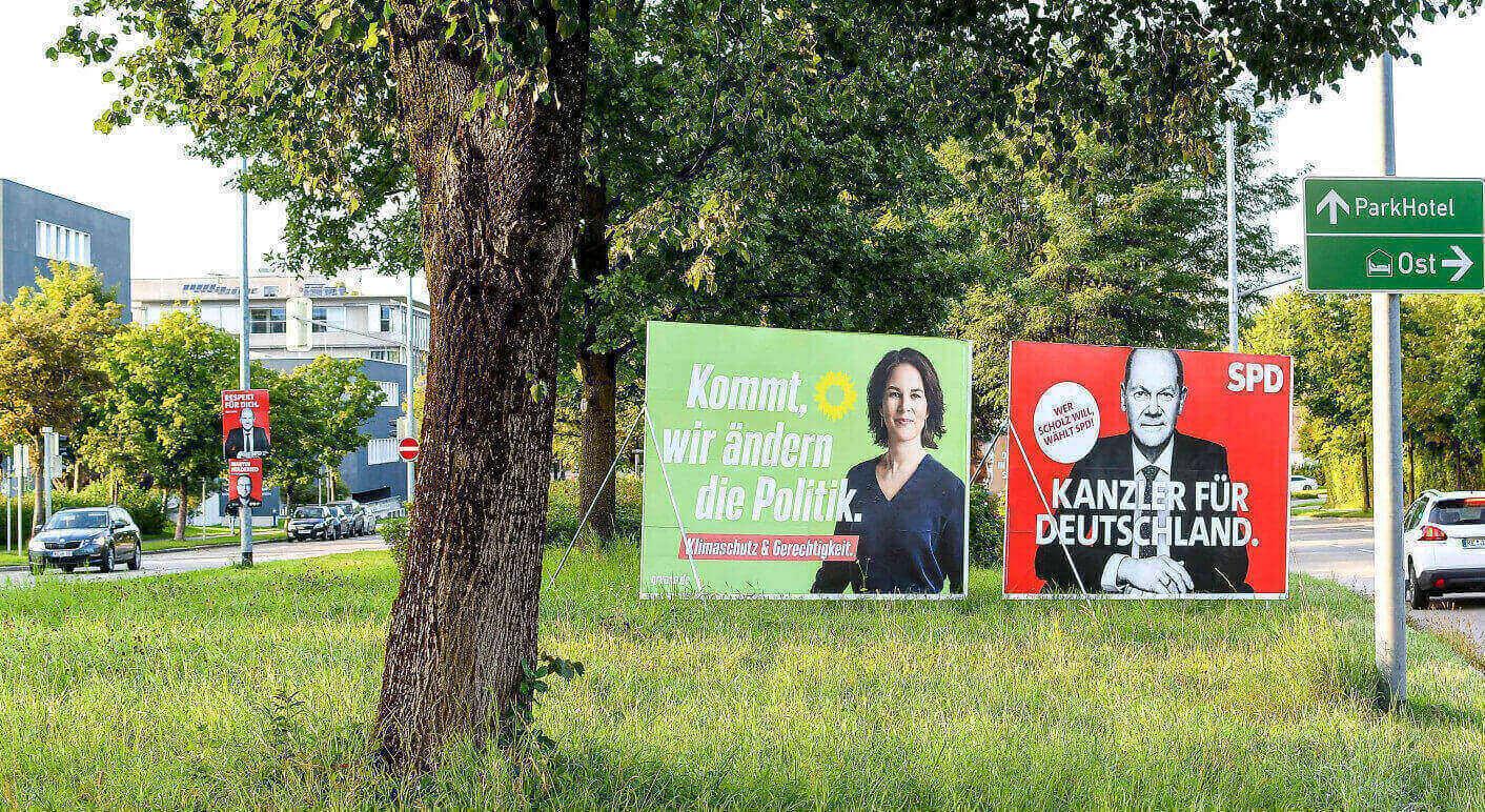 """Seit Jahren kursieren Meldungen im Netz, die eine wissenschaftliche Analyse vergangener Bundestagswahlen falsch interpretieren. Die Autoren betonen, dass ihre Analyse keine Hinweise auf """"Wahlbetrug"""" liefert. (Symbolbild: Picture Alliance/ Nordphoto GmbH/ Hafner)"""